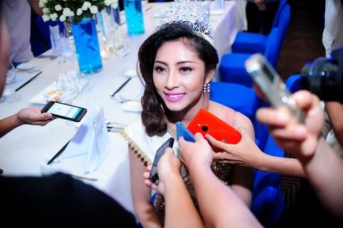 Hoa hậu Đại dương phủ nhận nghi án mua giải - 18