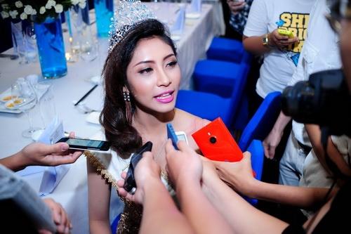 Hoa hậu Đại dương phủ nhận nghi án mua giải - 19