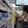 Mua sắm - Giá cả - Áp trần giá sữa: Doanh nghiệp có nhiều chiêu lách luật
