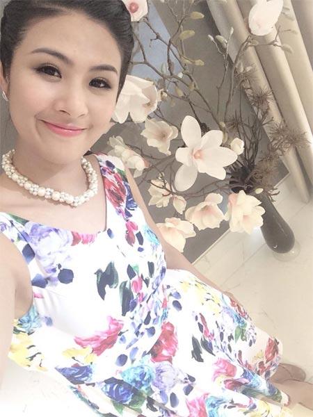 Hoa hậu Diễm Hương nhập viện vì sốt cao - 5