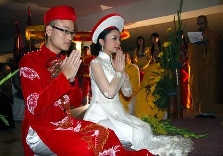 Những sao Việt yêu nhanh, cưới chớp nhoáng - 9