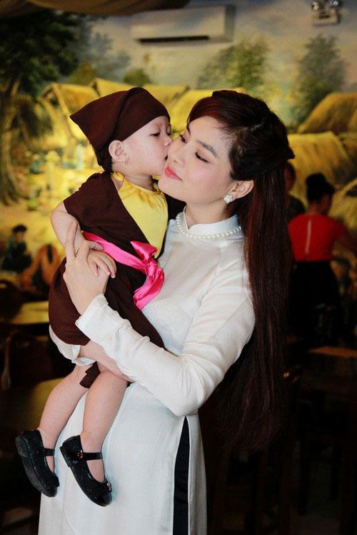 """vu thu phuong: """"chong khong ep toi sinh con trai"""" - 3"""