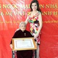 Làng sao - Mẹ chồng Quý bà Kim Hồng được vinh danh
