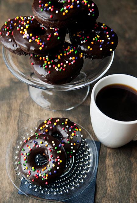 banh donut chocolate sieu hap dan - 14