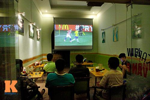 nguoi ha noi trang dem xem world cup - 6