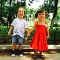 Làng sao - Hồng Nhung đưa 2 con đi công viên Thủ Lệ