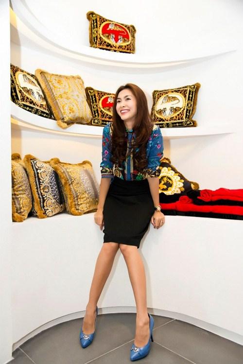 "top 4 stylist dung sau su ""toa sang"" cua my nhan vbiz - 4"