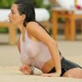 """Làng sao - Eva """"soi"""" 19/6: Kim Kardashian ướt át tại bể bơi"""