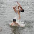 Tin tức - HN: Rủ nhau tắm sông, 3 học sinh chết đuối