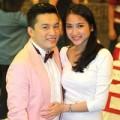 Làng sao - Lam Trường tình cảm đưa vợ sắp cưới đi nghe nhạc