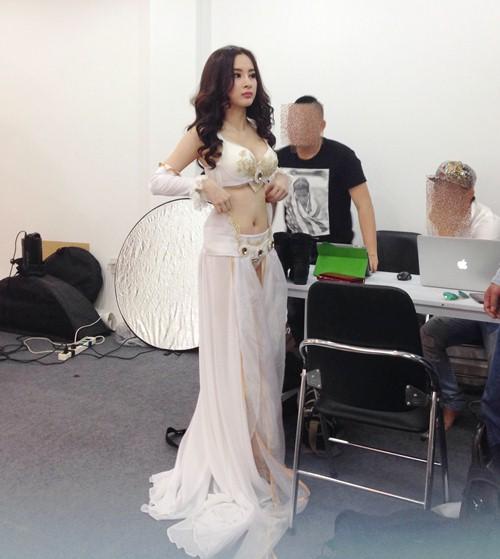 angela phuong trinh khoe vong mot nong bong - 1