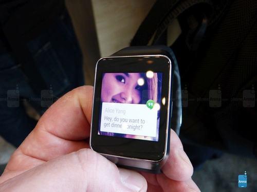 can canh bo doi smartwatch samsung gear live va lg g watch - 2