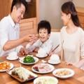 Tin tức - Bữa ăn gia đình trong thời kinh tế thị trường