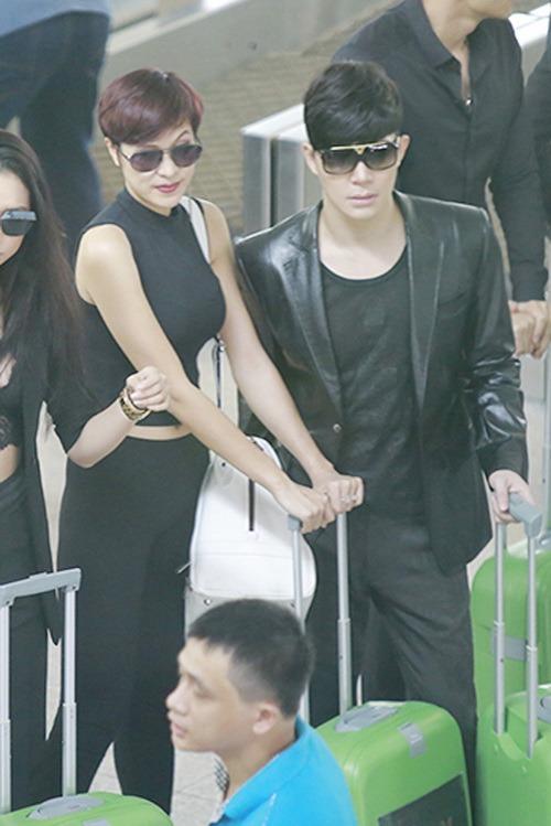 nathan lee om phuong mai tham thiet ngoai san bay - 6