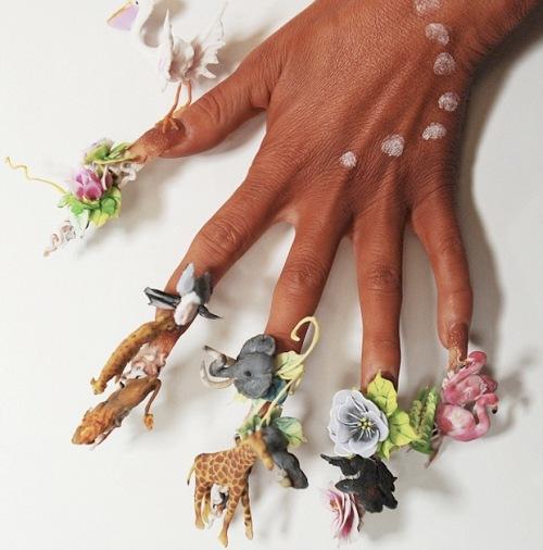Mãn nhãn ngắm những mẫu nail 3D rực rỡ ngày hè-13