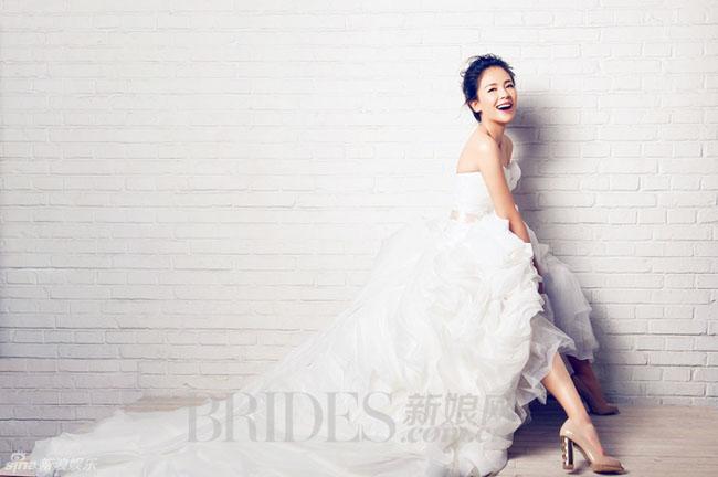 U40 Lưu Đào làm cô dâu xinh ngất ngây