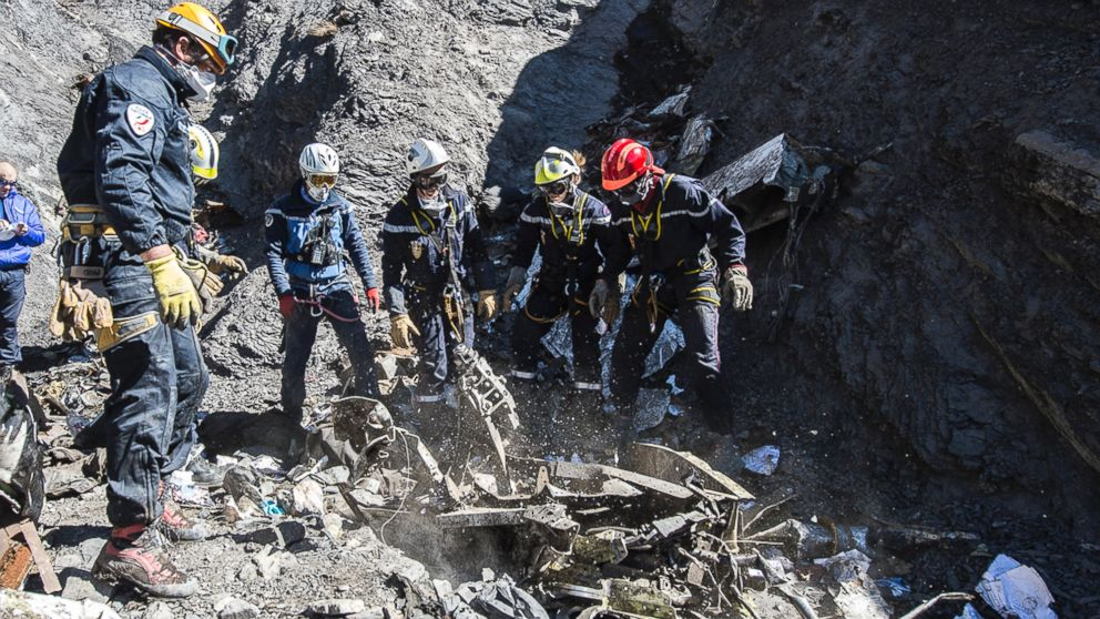 Hộp đen thứ 2 'tố cáo' cơ phó Airbus A320 cố ý tự sát-1