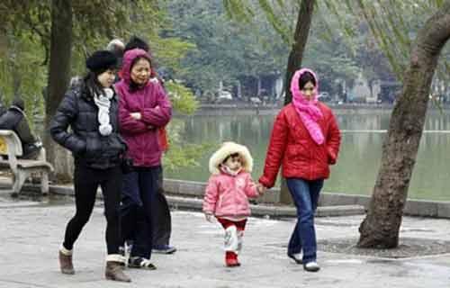 Không khí lạnh tràn về, Hà Nội có mưa dông-1