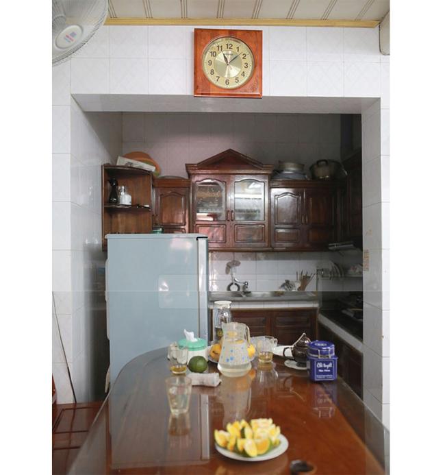 Đồ đạc trong nhà rất giản dị và đơn sơ.