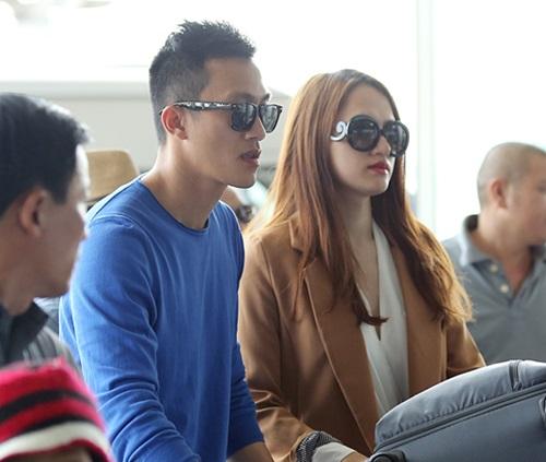 huong giang idol hon ban trai viet kieu tai san bay - 8