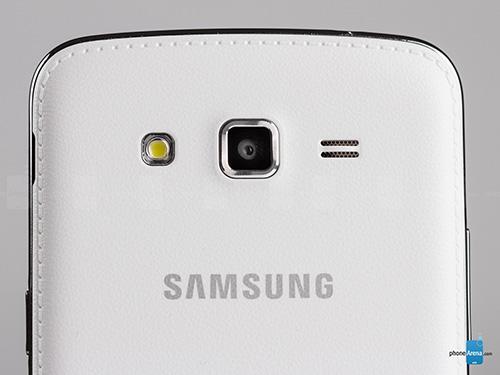 11 smartphone so huu nap lung boc da dep mat - 3