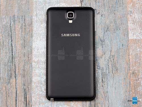 11 smartphone so huu nap lung boc da dep mat - 4