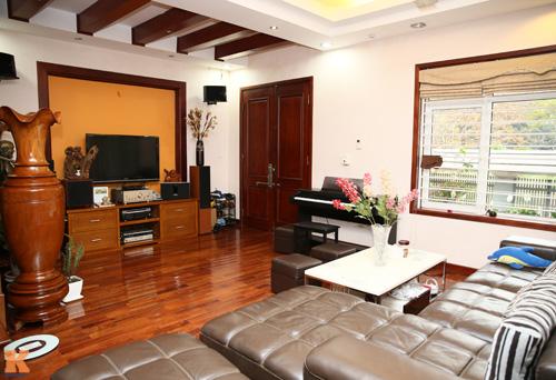 Phòng khách nhà sao Việt - đơn giản mà vẫn sang-2