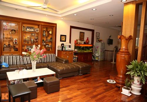 Phòng khách nhà sao Việt - đơn giản mà vẫn sang-3