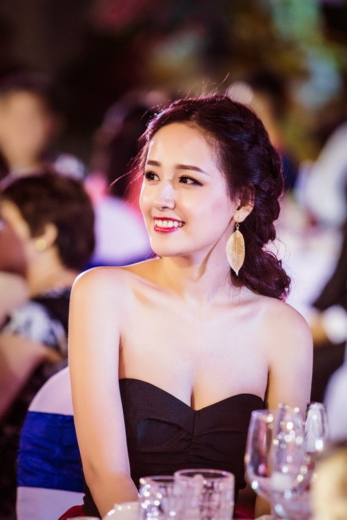"mai phuong thuy dep rang ro, thao trang ""khoe than"" kin dao - 9"