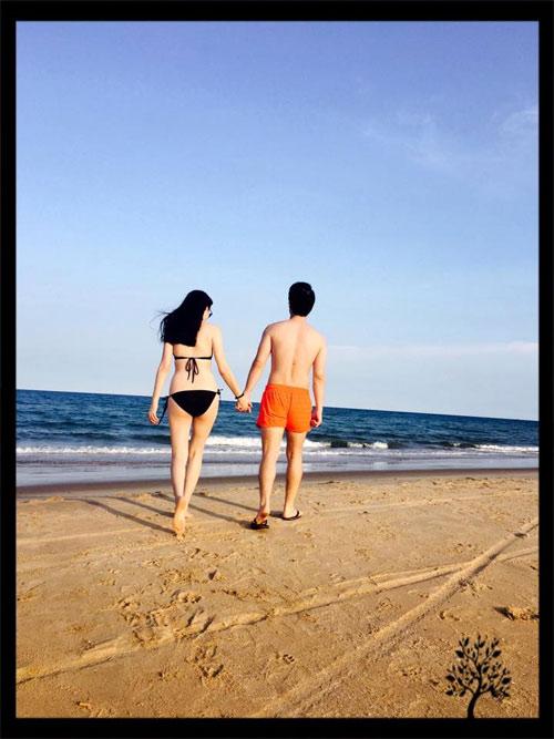 vu thu phuong dien bikini khoe dang tren bai bien - 14