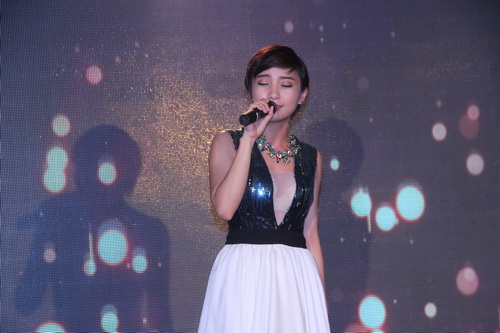 duy nhan duoc ung ho them 704 trieu dong - 10