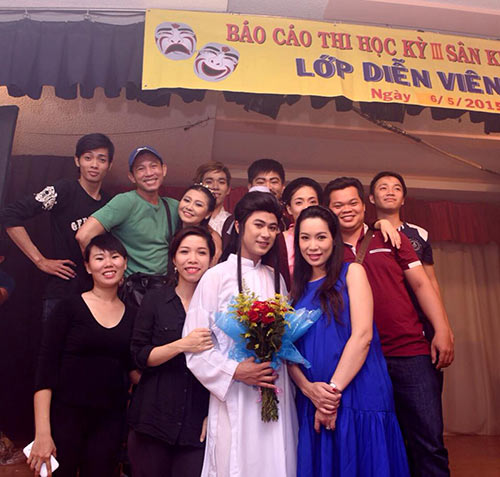 trinh kim chi bung bau 8 thang di cham diem - 5