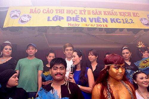 trinh kim chi bung bau 8 thang di cham diem - 6