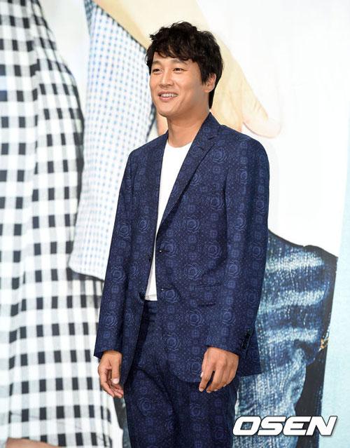 "kim hyun joong ""xuong sac"" ngay nhap ngu - 17"
