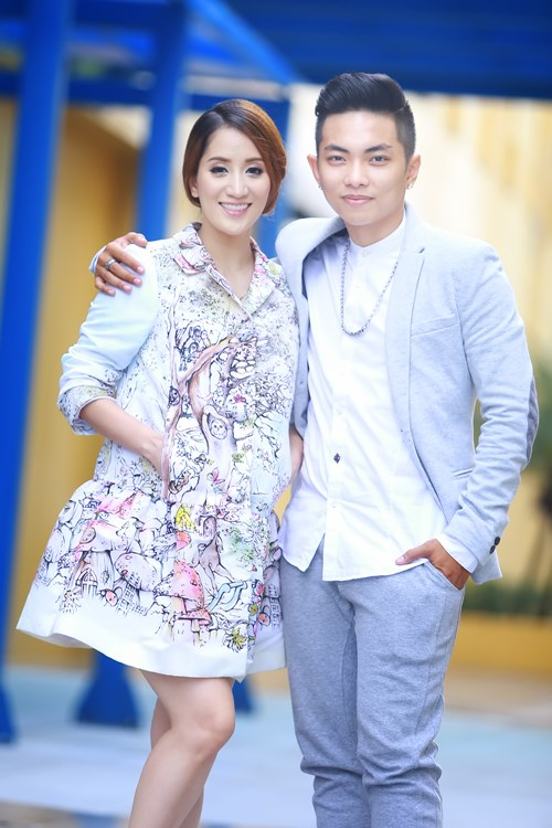 phan hien om chat khanh thi day tinh cam - 1