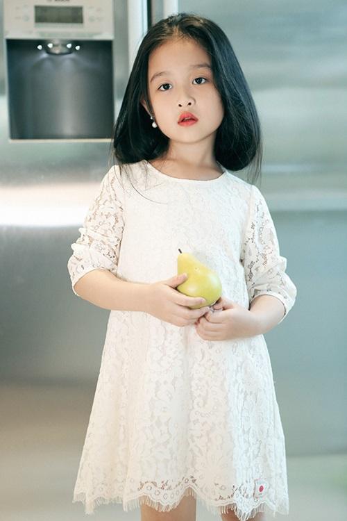 Mê mẩn ngắm bé gái Việt đẹp như biểu tượng thế giới-10
