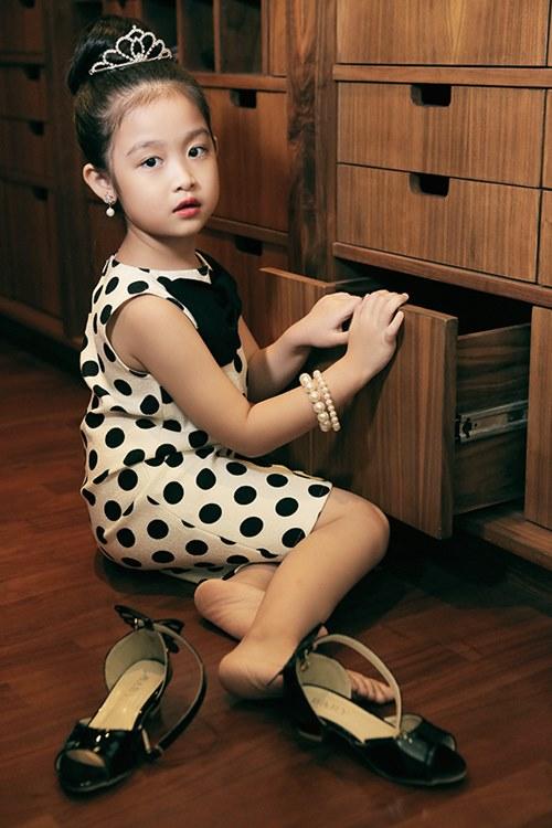 Mê mẩn ngắm bé gái Việt đẹp như biểu tượng thế giới-11