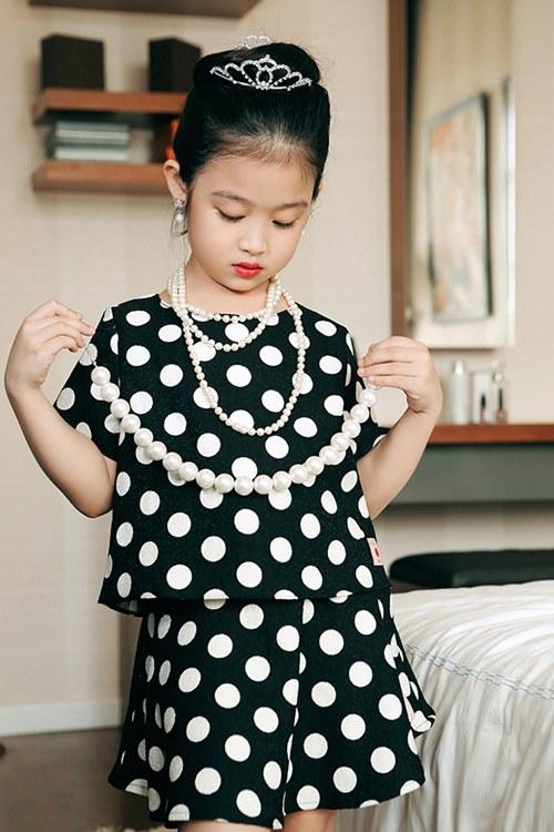 Mê mẩn ngắm bé gái Việt đẹp như biểu tượng thế giới-7