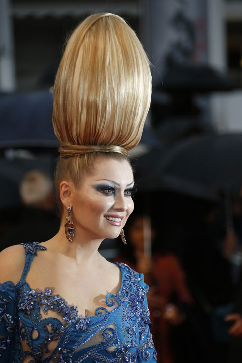 """Cười té ghế với """"thảm họa"""" tóc của sao Nga tại Cannes-9"""