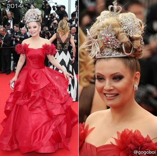 """Cười té ghế với """"thảm họa"""" tóc của sao Nga tại Cannes-7"""