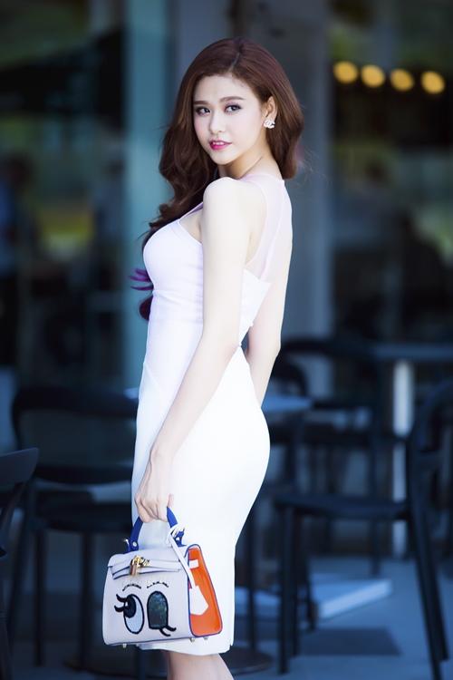 Trương Quỳnh Anh quyến rũ hơn sau khi hàn gắn với Tim-10