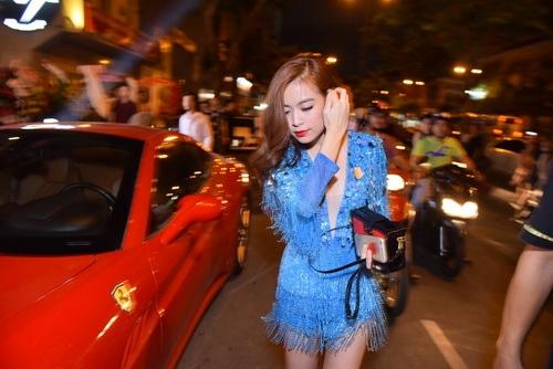 """Hoàng Thùy Linh khoe vũ đạo """"bốc lửa"""" tại TP.HCM-1"""