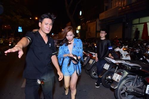 """Hoàng Thùy Linh khoe vũ đạo """"bốc lửa"""" tại TP.HCM-10"""