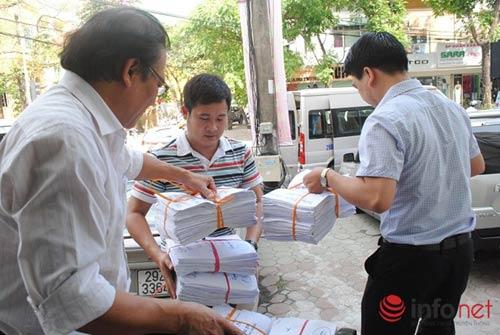 Kỳ thi THPT quốc gia: Hà Nội bàn giao hồ sơ tới các cụm thi-3