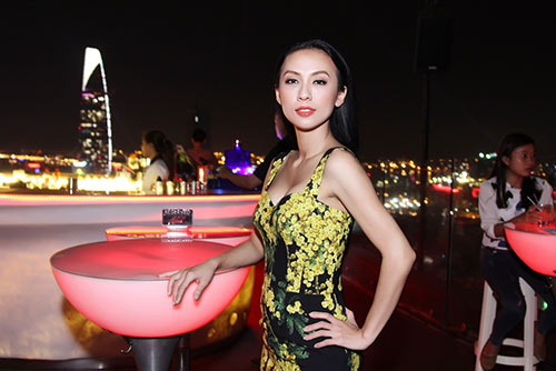 Huyền Ny gợi cảm diện váy 60 triệu đi tiệc-4