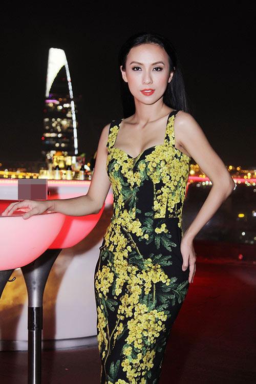 Huyền Ny gợi cảm diện váy 60 triệu đi tiệc-2