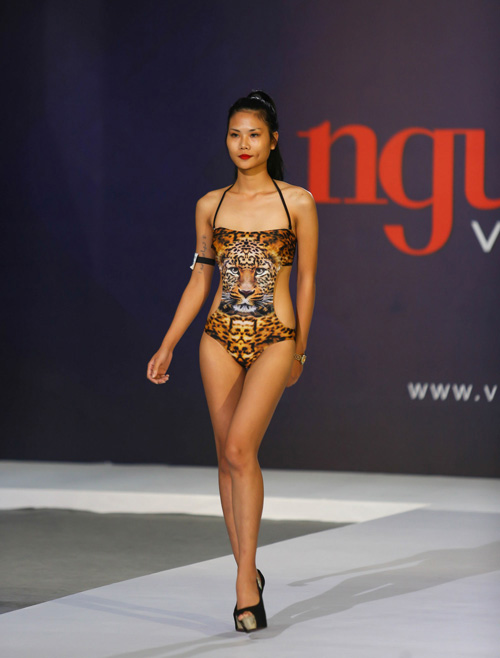 """thanh hang nguong ngung truoc thi sinh nam """"sieu vong 1"""" - 11"""