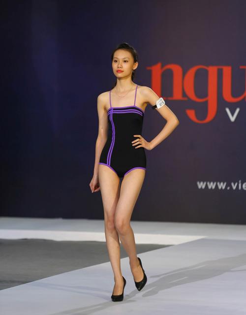"""thanh hang nguong ngung truoc thi sinh nam """"sieu vong 1"""" - 12"""