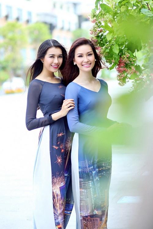 pham huong duyen dang voi ao dai in phong canh sai gon - 6