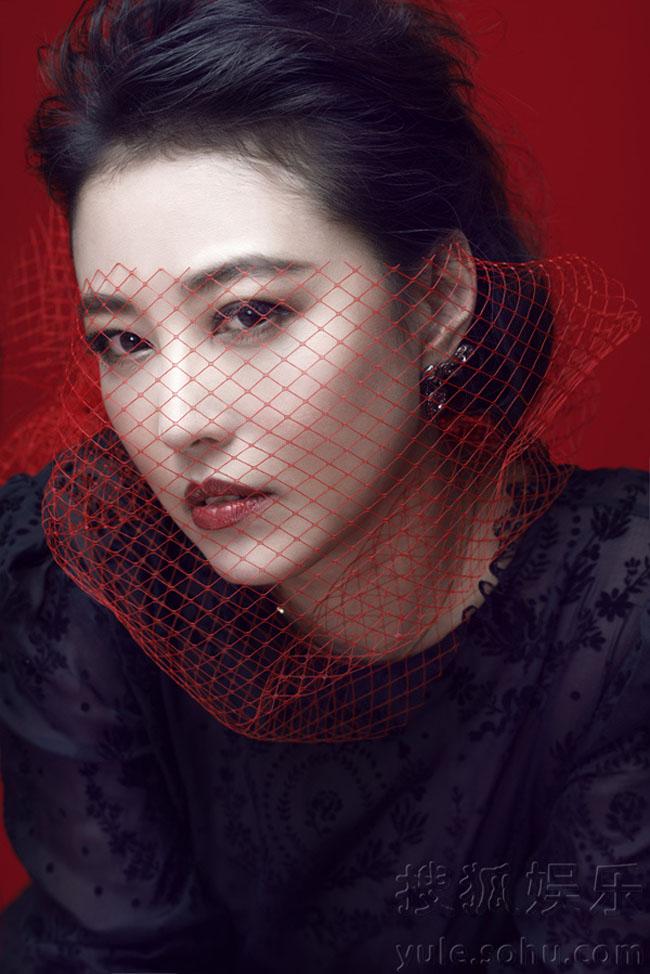 So với các nàng hoa đán những năm 80, Châu Hải My trẻ trung hơn so với Lưu Gia Linh, Tăng Hoa Thiên.
